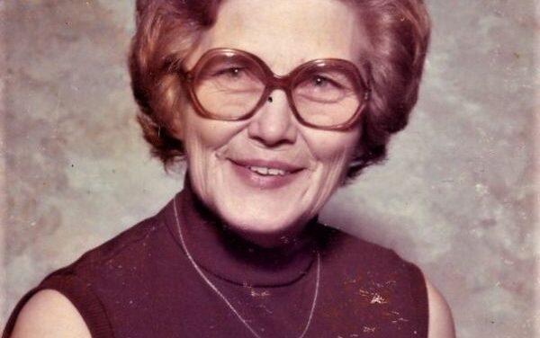 LONA LORETTA ROBNETT, 95, COMMERCE,  OCTOBER 19, 1925 – SEPTEMBER 29, 2021